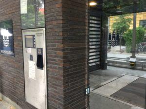 Parkautomat und Bodenplatte