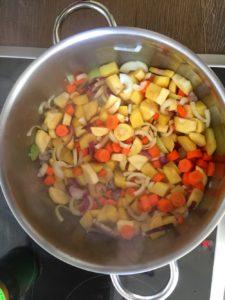Gemüseeintopf mit Möhren