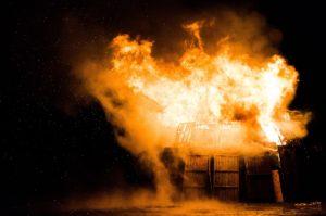 Feuer nach einer Explosion