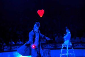 Clown Carillon bei der Liebeserklärung