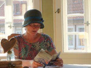 Karla Letterman bei einer Lesung in Duderstadt