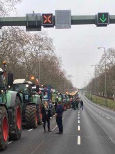 Bauern auf dem Weg zur Demo in Berlin