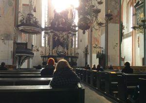 Publikum in der Jakobikirche in Lübeck