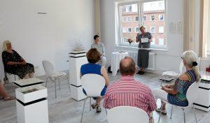 Karla Letterman bei der Lesung mit Publikum